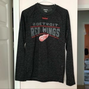 Long sleeve red wings shirt